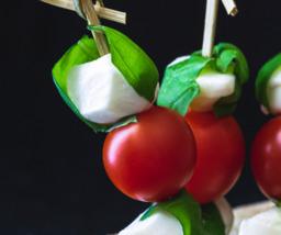 Tomaat/mozzarella spiesje